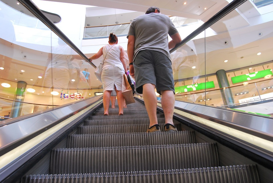 People on escalator - 8 major contributions of computer science